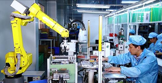 实行全自动机器人智能高效柔性散热风扇生产线应用与示范推广